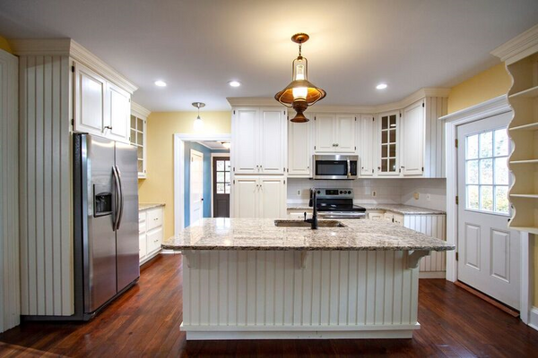 16x16' Gourmet Kitchen, new granite counters, stainless appliances