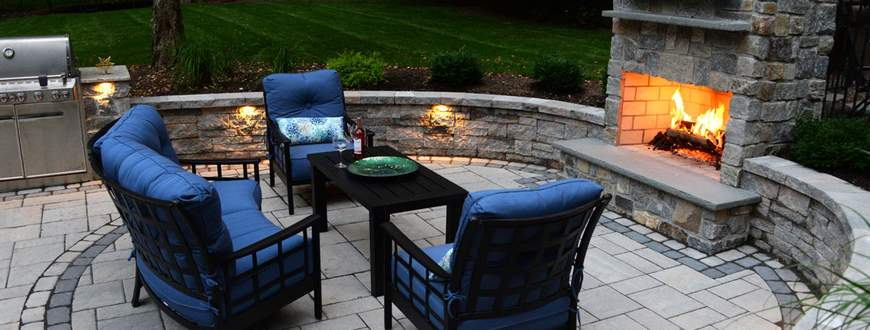 OUTDOOR FIREPLACE AND PAVERS 2018