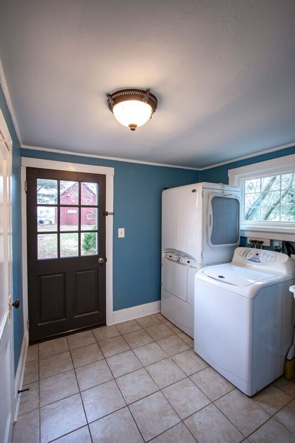 Rear entrance to 9x8' Laundry / Mud Room