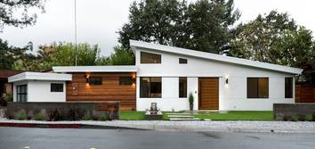 Modern New construction Ultra modern creation at the heart of Lafayette CA. Smart home technologies throughout and Eco-friendly green design