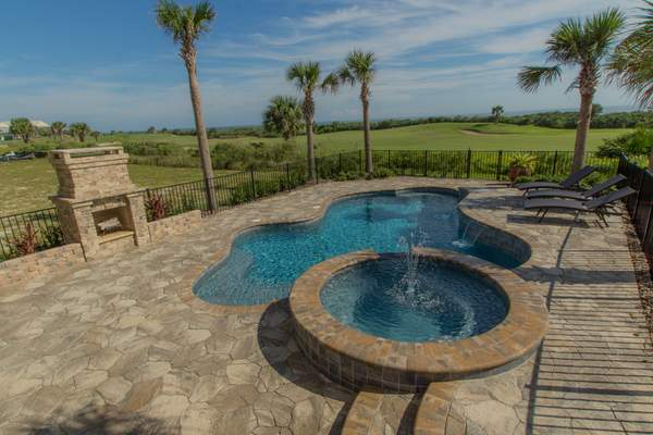 Pool and spa photos and design ideas buildzoom for Swimming pool conversion ideas