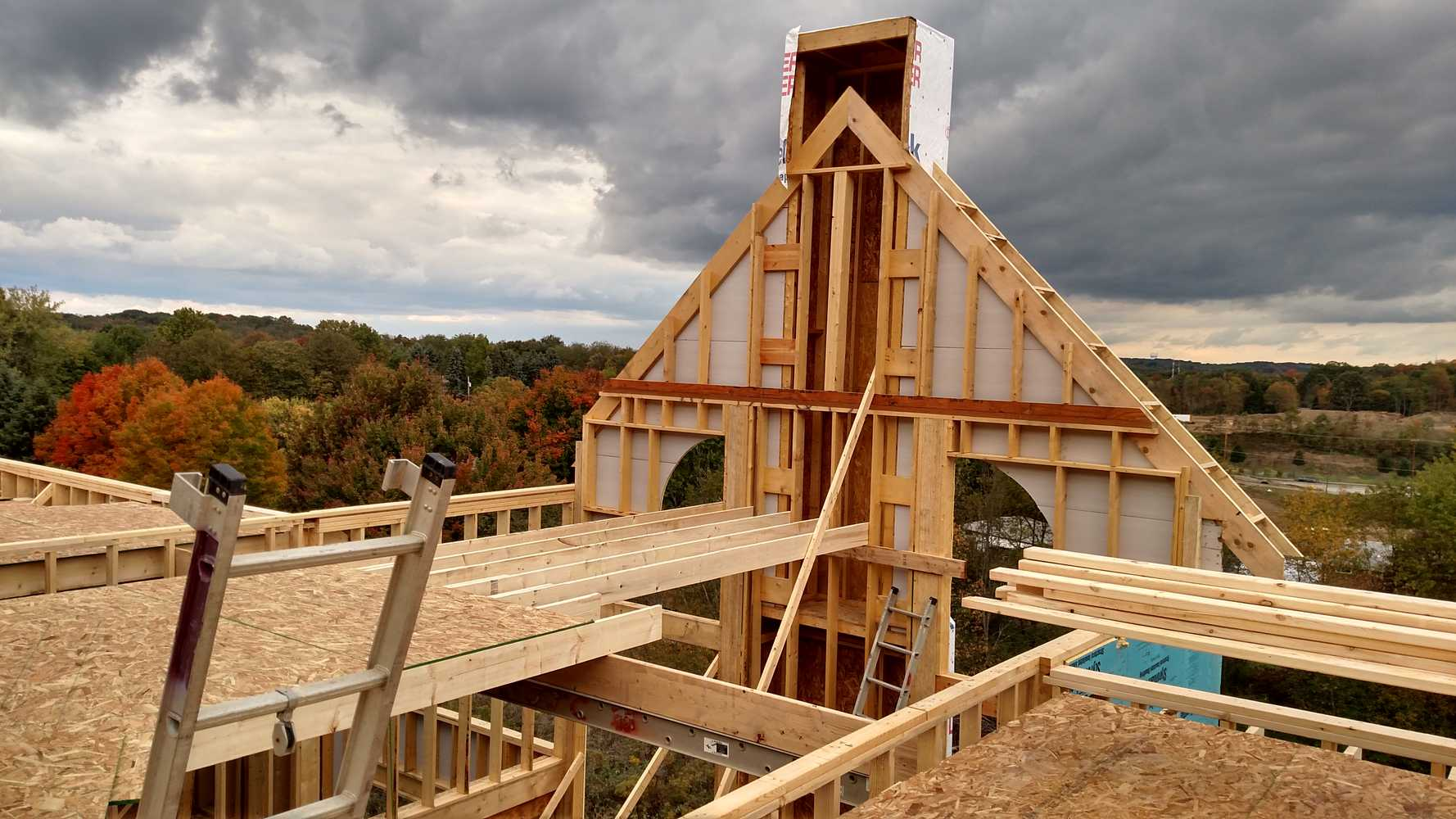 framing carpentry How to frame a roof framing a roof is the last step in framing new construction while most home builders will outsource the construction of roofing trusses–the rafter supports of the roof itself–learning to frame a roof yourself is one of.